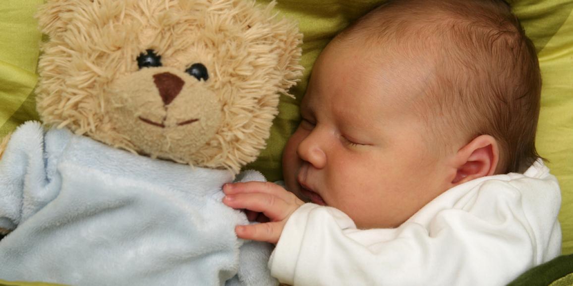 Wieviel Schlafbedarf hat mein Baby?