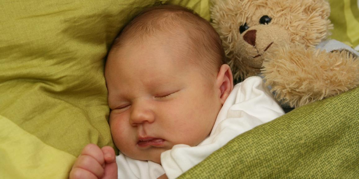 Tipps wie Babys besser durchschlafen